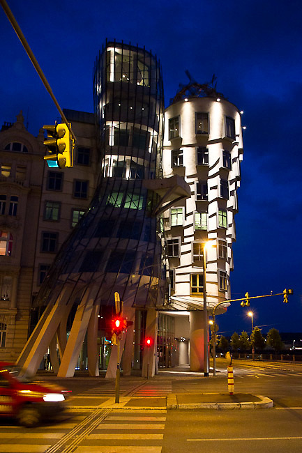 The Dancing House (Tan?ící d?m) designed by Croatian-Czech architect Vlado Miluni? in co-operation with Canadian-American architect Frank Gehry. Different views from Prague (Praha), the capital of the Czech Republic.  o (Photo: Alan Aubry)