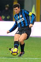 Javier Zanetti<br /> Inter-Roma 1-1<br /> Campionato di calcio serie A 2009/2010<br /> Milano, 08.11.2009<br /> Foto Paolo Bona Insidefoto