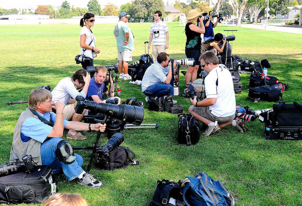 9/22/11  --- SPORTS SHOOTER ACADEMY --- SSA instructor John McDonough with a group of workshop participants getting ready to cover a college soccer match during Sports Shooter Academy VIII. Photo by Joe Lorenzini, Sports Shooter Academy Behind the Scenes with the cast and crew of Sports Shooter Academy.