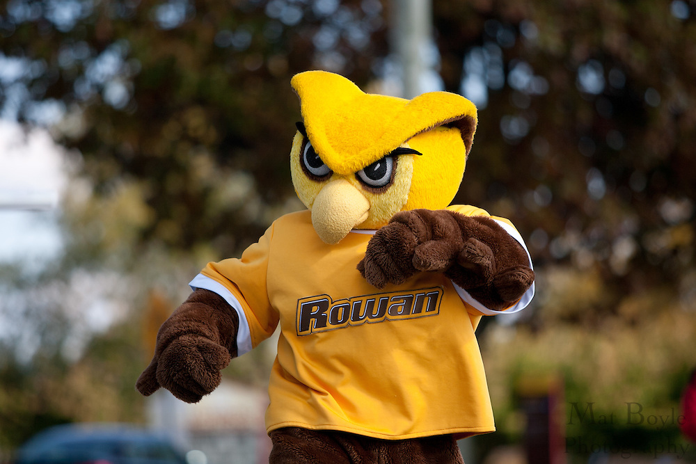 Rowan University Homecoming Parade on Saturday October 2, 2011. (Photo / Mat Boyle)