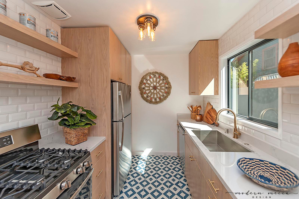Modern Mecca​ was asked to stage this cute and completely updated rental unit at a Mid-Century Apartment building in Hollywood Hills.​ The unit was rented within a week.