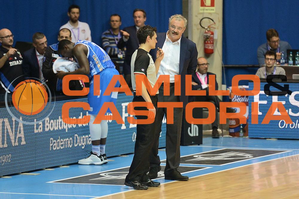 DESCRIZIONE : Final Eight Coppa Italia 2015 Desio Quarti di Finale Banco di Sardegna Sassari vs Vagoli Basket Cremona<br /> GIOCATORE : Romeo Sacchetti<br /> CATEGORIA : coach Fair Play<br /> SQUADRA : Banco di Sardegna Sassari<br /> EVENTO : Final Eight Coppa Italia 2015 Desio <br /> GARA : Banco di Sardegna Sassari vs Vagoli Basket Cremona<br /> DATA : 20/02/2015 <br /> SPORT : Pallacanestro <br /> AUTORE : Agenzia Ciamillo-Castoria/I.Mancini