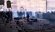 Roma 14 Dicembre 2010.<br /> Manifestazione contro il Governo Berlusconi. I manifestanti attaccano la polizia alla fine di via del Corso<br /> Rome December 14, 2010.<br /> Demonstration against the Berlusconi government. Protesters attack police.