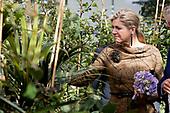 Koningin Maxima brengt werkbezoek aan Koppert Cress