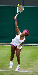 LONDON, ENGLAND - Tuesday, June 26, 2012: Serena Williams (USA) during the Ladies' Singles 1st Round match on day two of the Wimbledon Lawn Tennis Championships at the All England Lawn Tennis and Croquet Club. (Pic by David Rawcliffe/Propaganda)