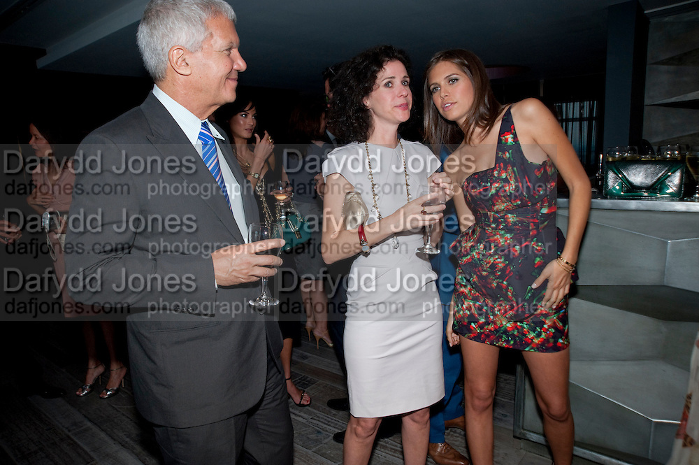 LARRY GAGOSIAN; MOLLIE DENT-BROCKLEHURST;  DASHA ZHUKOVA, Dinner hosted by Julia Peyton-Jones and Hans Obrist for the Council of the Serpentine to celebrate: Jeff Koons, Popeye Series. Paramount Club, Paramount Centre Point. London. 30 June 2009