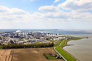 Nederland, Zeeland, Terneuzen, 09-05-2013; zicht op Dow Benelux (Dow Chemical Terneuzen), rechts de  Westerschelde.  Het complex van chemische fabrieken produceert voornamelijk kunststoffen <br /> View on Dow Benelux (Dow Chemical Terneuzen) and the Westerschelde (r). The complex of chemical plants mainly produces plastics.<br /> luchtfoto (toeslag op standard tarieven)<br /> aerial photo (additional fee required)<br /> copyright foto/photo Siebe Swart