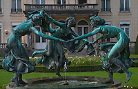 "Fountain with 3 women at Chateau ""De Brandt"" estate in Antwerp, Belgium.jpg"