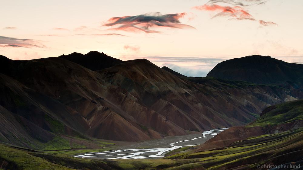 Sólarupprás í Jökulgili að hausti. Sunrise at Jökulgil canyons in Autumn.
