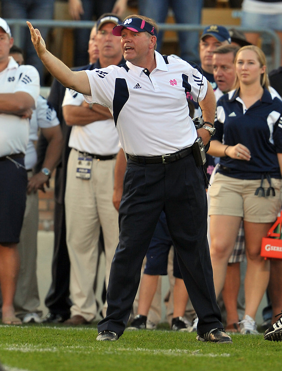 Brian Kelly protests the call of incomplete pass, arguing it was intentional grounding.  The call didn't go ND's way in the end.
