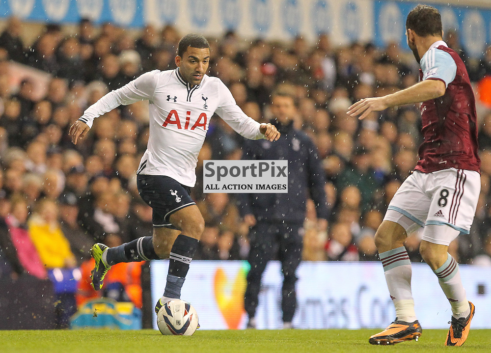 Tottenham's Aaron Lennon during the Capital One Cup Quarter Final match between Tottenham Hotspur FC and West Ham United FC at White Hart Lane, London, 18th December 2013 © Phil Duncan | SportPix.org.uk