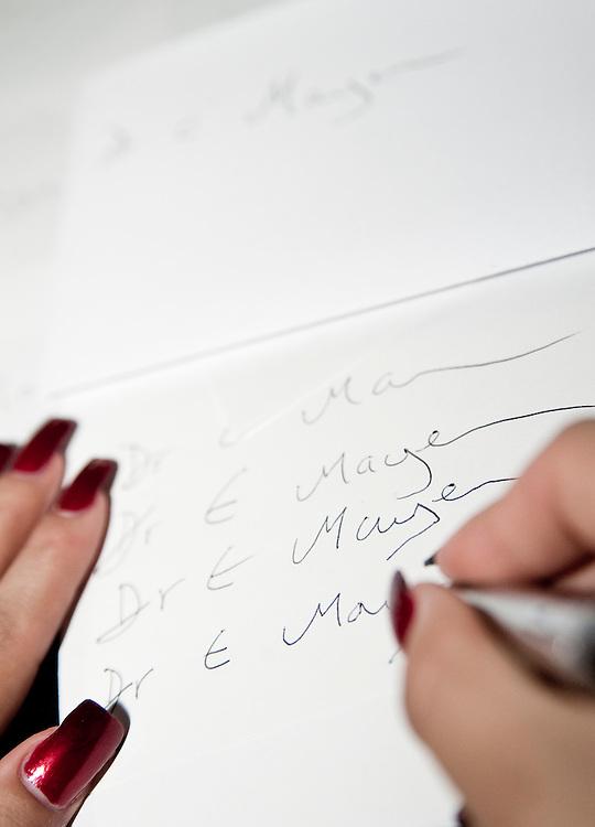 Symbolbild Unterschriftenfaelschung