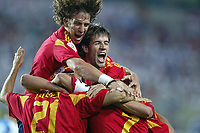 Fotball<br /> Euro 2004<br /> Portugal<br /> 12.06.2004<br /> Foto: Dppi/Digitalsport<br /> NORWAY ONLY - ALL OTHER OUT<br /> <br /> Spania v Russland 1-0<br /> <br /> SPANISH JOY AFTER THE JUAN CARLOS VALERON 'S GOAL