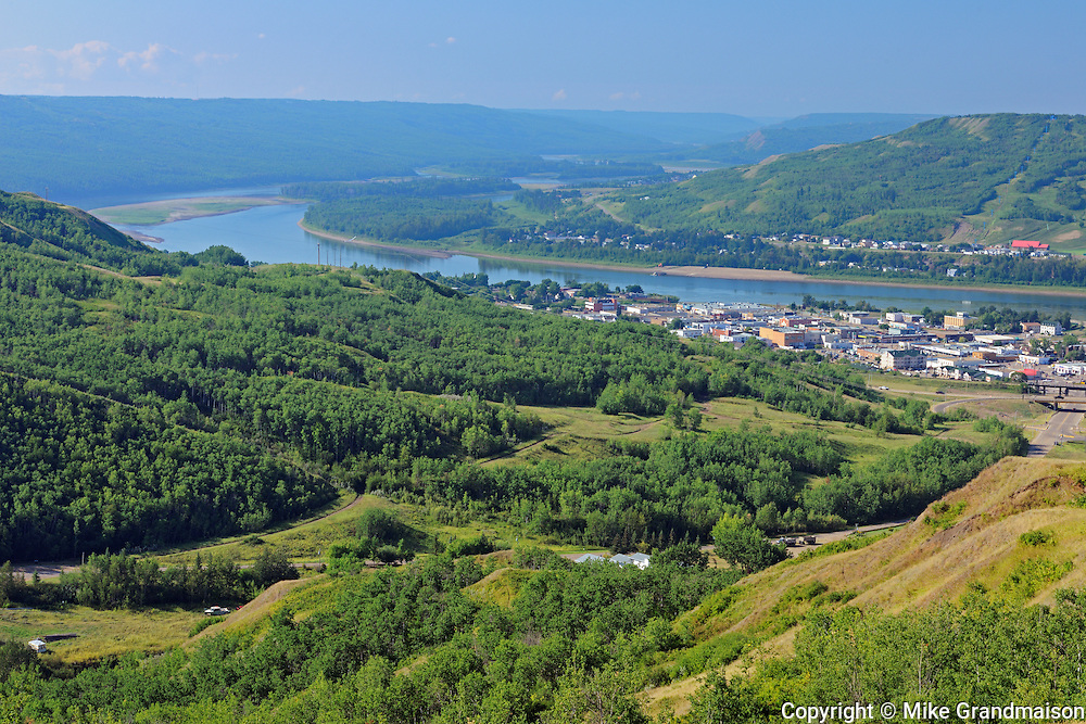 Forest and the townsite of Peace River<br /> Peace River <br /> Alberta<br /> Canada