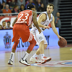 25.02.2014, Audi Dome, Muenchen, GER, Beko Basketball BL, FC Bayern Muenchen Basketball vs Artland Dragons, 22. Runde, im Bild Malcon Delaney (FC Bayern Muenchen Basketball), Bastian Doreth (Artland Dragons), v li Aktion // during the Beko Basketball Bundes league 22. round match between FC Bayern Munich Basketball and Artland Dragons at the Audi Dome in Muenchen, Germany on 2014/02/25. EXPA Pictures © 2014, PhotoCredit: EXPA/ Eibner-Pressefoto/ Buthmann<br /> <br /> *****ATTENTION - OUT of GER*****
