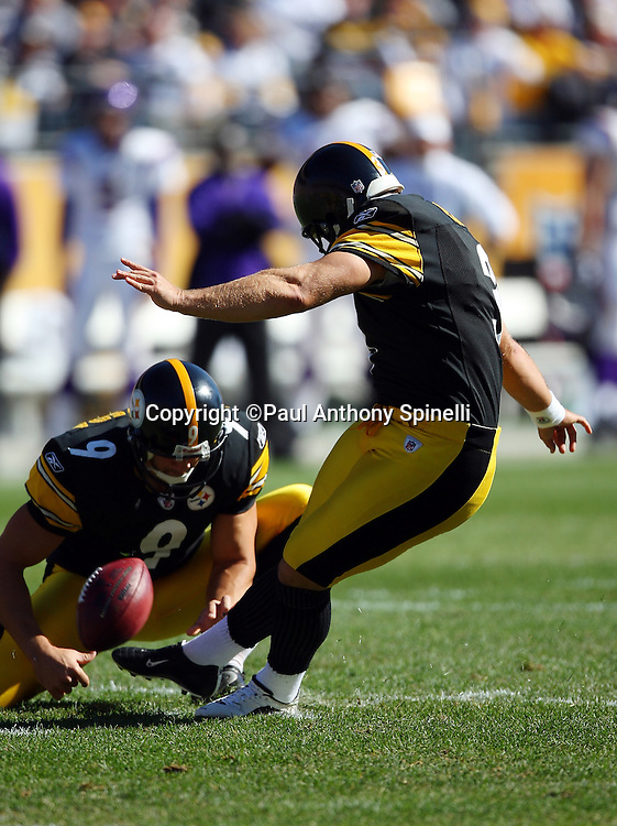 Pittsburgh Steelers kicker Jeff Reed (3) kicks a 39 yard field goal for a 3-0 first quarter Steelers lead during the NFL football game against the Minnesota Vikings, October 25, 2009 in Pittsburgh, Pennsylvania. The Steelers won the game 27-17. (©Paul Anthony Spinelli)