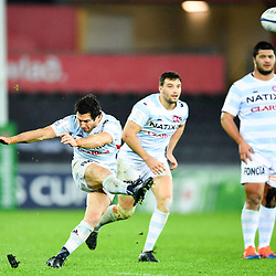 Maxime Machenaud of Racing 92 kicks at goal during the European Rugby Challenge Cup, Pool 4 match between Ospreys and Racing 92 on December 7, 2019 in Bristol, United Kingdom. (Photo by Paul Lockyer / Icon Sport) - Liberty Stadium - Swansea (Pays de Galles) - Liberty Stadium - Swansea (Pays de Galles)