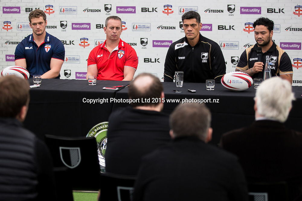 22/10/2015 - Rugby League - England vs New Zealand, International Series 2015 Preview - Hotel Football, Manchester, England - (L-R) England captain Sean O'Loughlin with head coach Steve McNamara and Kiwis head coach Stephen Kearney with co-captain Issac Luke.<br /> Photo credit: Alex Whitehead / www.photosport.nz