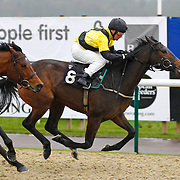Amelia Hull and Jimmy Quinn winning the 11.40 race