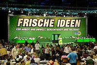 10 JUL 2005, BERLIN/GERMANY:<br /> Ueberischt Buehne, 24. Ordentl. Bundesdelegiertenkonferenz Buendnis90/Die Gruenen, Velodrom <br /> IMAGE: 20050710-01-039<br /> KEYWORDS: BDK, Parteitag, Bündnis90/Die Grünen, Übersicht