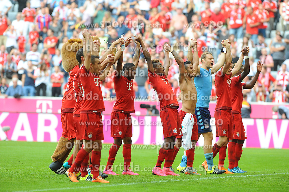 12.09.2015, Allianz Arena, Muenchen, GER, 1. FBL, FC Bayern Muenchen vs FC Augsburg, 4. Runde, im Bild Freude bei Bayern Muenchen nach dem Lastminute Sieg.Bildmitte Neuzugang Kingsley Coman // during the German Bundesliga 4th round match between FC Bayern Munich and FC Augsburg at the Allianz Arena in Muenchen, Germany on 2015/09/12. EXPA Pictures &copy; 2015, PhotoCredit: EXPA/ Eibner-Pressefoto/ Stuetzle<br /> <br /> *****ATTENTION - OUT of GER*****