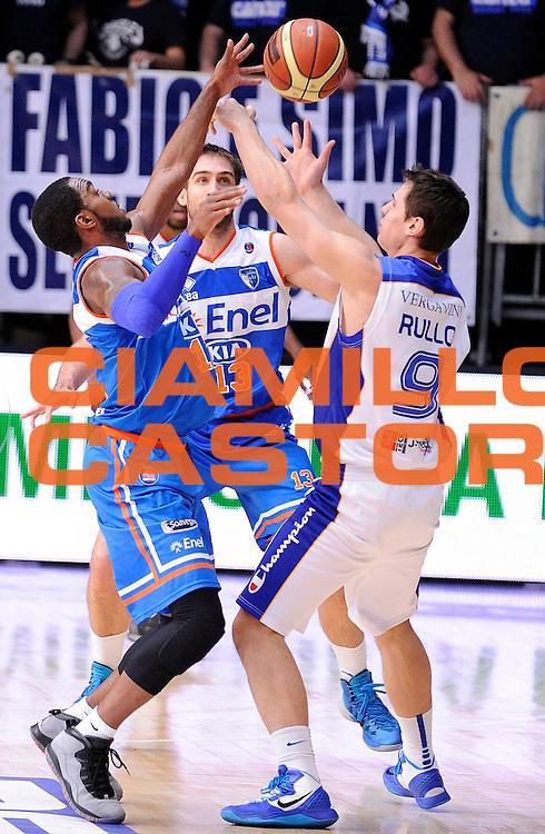 DESCRIZIONE : Cantu' Campionato Lega A 2013-14 Acqua Vitasnella Cantu' Enel Brindisi<br /> GIOCATORE : Ron Lewis Davis Chiotti<br /> SQUADRA : Enel Brindisi<br /> EVENTO : Campionato Lega A 2013-14<br /> GARA :  Acqua Vitasnella Cantu' Enel Brindisi<br /> DATA : 16/03/2014<br /> CATEGORIA : Difesa<br /> SPORT : Pallacanestro<br /> AUTORE : Agenzia Ciamillo-Castoria/A.Giberti<br /> Galleria : Campionato Lega Basket A 2013-14<br /> Fotonotizia : Cantu' Campionato Lega A 2013-14 Acqua Vitasnella Cantu' Enel Brindisi<br /> Predefinita :