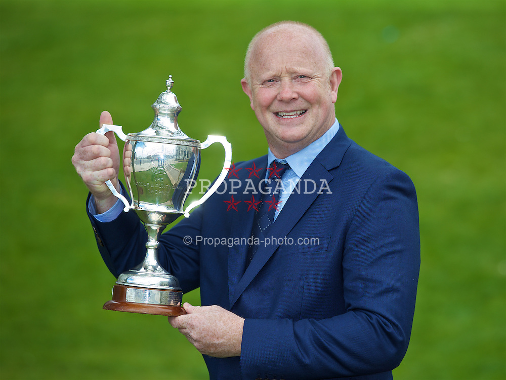 LIVERPOOL, ENGLAND - Monday, April 18, 2016: Former England and Liverpool captain and Tennis Ambassador Mark Wright with the Boodles Trophy at the launch of the 2016 Liverpool Hope University International Tennis Tournament at the Hilton Hotel. (Pic by David Rawcliffe/Propaganda)