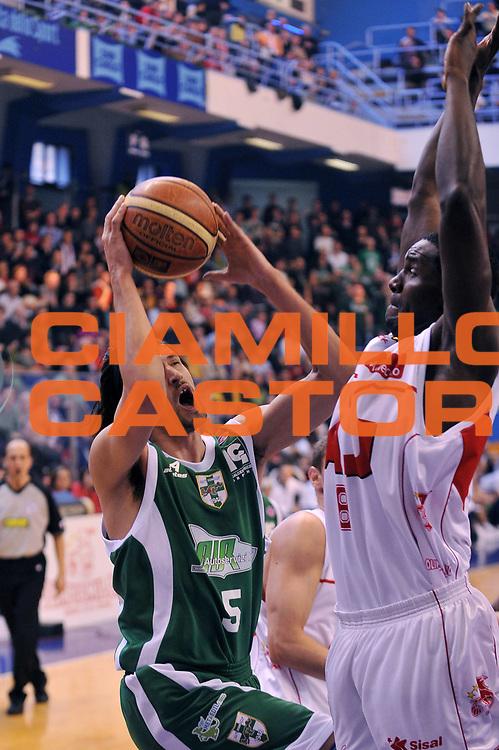 DESCRIZIONE : Milano Lega A 2008-09 Armani Jeans Milano Air Avellino<br /> GIOCATORE : Nikola Radulovic<br /> SQUADRA : Air Avellino<br /> EVENTO : Campionato Lega A 2008-2009<br /> GARA : Armani Jeans Milano Air Avellino<br /> DATA : 15/03/2009<br /> CATEGORIA : tiro<br /> SPORT : Pallacanestro<br /> AUTORE : Agenzia Ciamillo-Castoria/A.Dealberto
