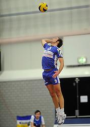 12-02-2011 VOLLEYBAL: AB GRONINGEN/LYCURGUS - DRAISMA DYNAMO: GRONINGEN<br /> In een bomvol Alfa-college Sportcentrum werd Dynamo met 3-2 (25-27, 23-25, 25-19, 25-23 en 16-14) verslagen door Lycurgus / Peter Barla (#5)<br /> ©2011-WWW.FOTOHOOGENDOORN.NL