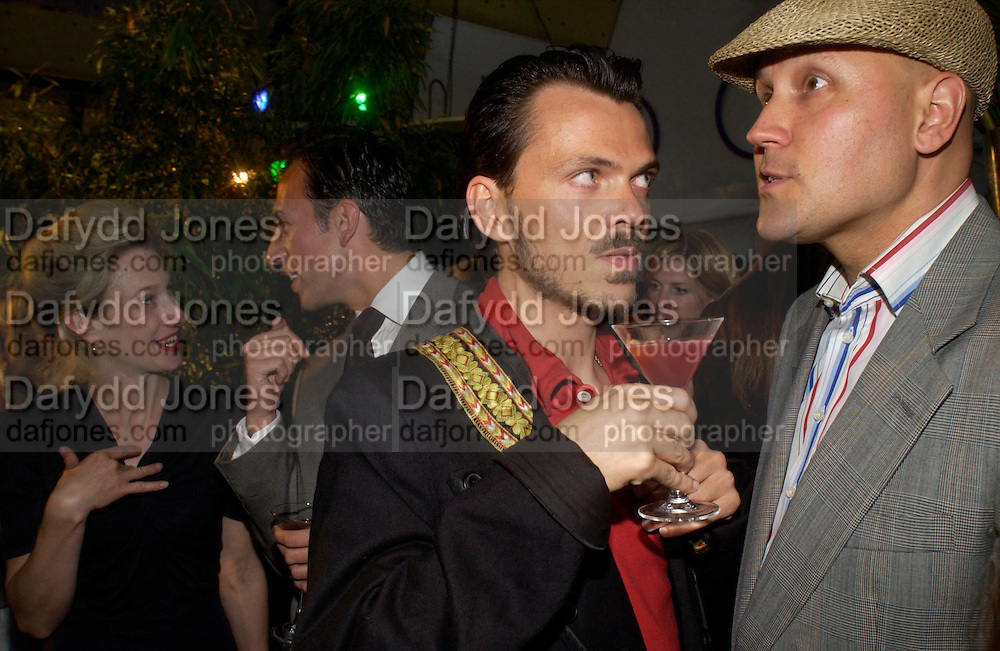 Matthew Williamson, Joseph Allosa and Simon Costin. Matthew Williamson perfume launch. Fifth Floor, Harvey Nichols. ONE TIME USE ONLY - DO NOT ARCHIVE  © Copyright Photograph by Dafydd Jones 66 Stockwell Park Rd. London SW9 0DA Tel 020 7733 0108 www.dafjones.com