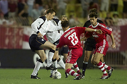 MONACO, FRANCE - Friday, August 24, 2001: Liverpool's Ditemar Hamann and Bayern Munich's Owen Hargreaves during the UEFA Super Cup Final at the Stade Louis II in Monaco. (Pic by David Rawcliffe/Propaganda)