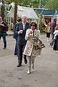 DORIT MOUSAIEFF and the President of Iceland MR OLAFUR RAGNAR GRIMSSON. Opening day of the Chelsea Flower Show. Royal Hospital Grounds. London. 19 May 2008 *** Local Caption *** -DO NOT ARCHIVE-© Copyright Photograph by Dafydd Jones. 248 Clapham Rd. London SW9 0PZ. Tel 0207 820 0771. www.dafjones.com.