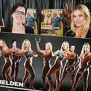 NLD/Ridderkerk/20130506 - Presentatie Helden 18, Sanne van Olphen en MAarieke van der Wal en hun naakt poster