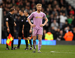 Paul McShane of Reading cuts a dejected figure at full time - Mandatory byline: Robbie Stephenson/JMP - 07966 386802 - 24/10/2015 - FOOTBALL - Craven Cottage - London, England - Fulham v Reading - Sky Bet Championship