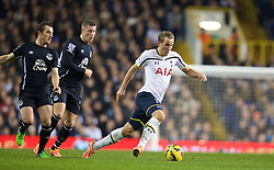 LONDON, ENGLAND - Sunday, November 30, 2014: Tottenham Hotspur's Harry Kane in action against Everton during the Premier League match at White Hart Lane. (Pic by David Rawcliffe/Propaganda)