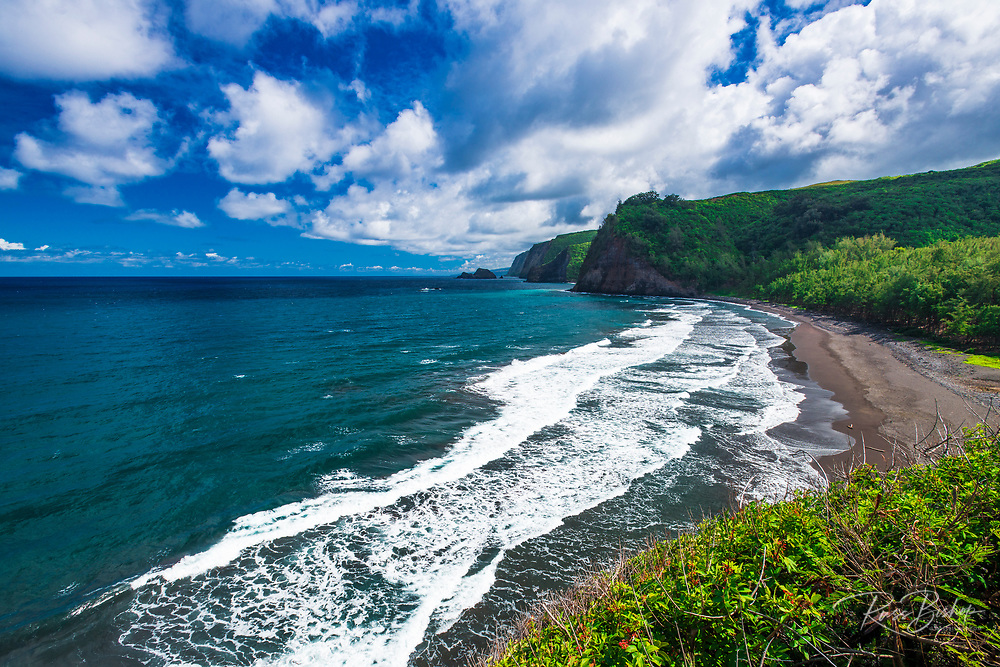 Pololu Valley and beach, North Kohala, The Big Island, Hawaii USA
