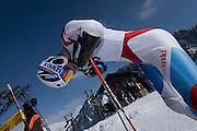 Skirennfahrer mit Helm, Charmey, coupe fribourgeoise de ski alpin, Wintersport, sports d'hiver en Gruyère. © Romano P. Riedo