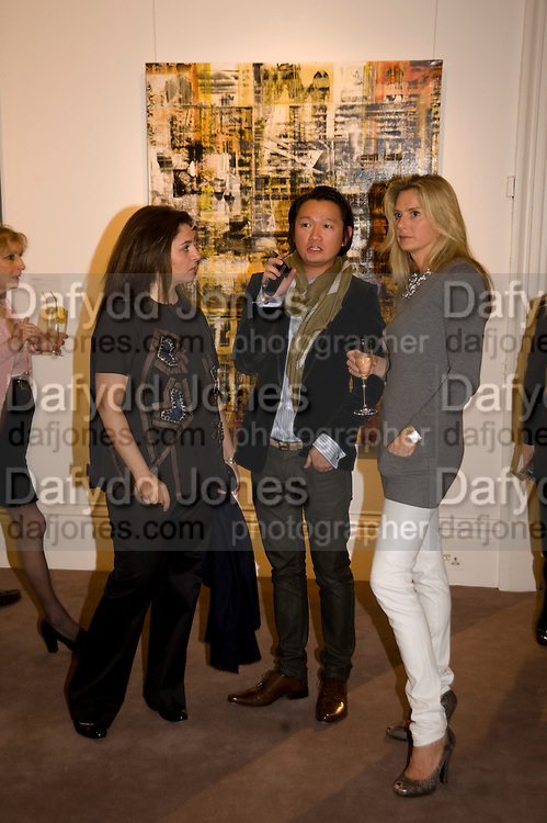 MARYAM EISLER; JASON LEE; SIOBHAN MAREUSE. Contemporary art Turkish. Sothebys. New Bond St. London. 2 March 2009 *** Local Caption *** -DO NOT ARCHIVE -Copyright Photograph by Dafydd Jones. 248 Clapham Rd. London SW9 0PZ. Tel 0207 820 0771. www.dafjones.com<br /> MARYAM EISLER; JASON LEE; SIOBHAN MAREUSE. Contemporary art Turkish. Sothebys. New Bond St. London. 2 March 2009