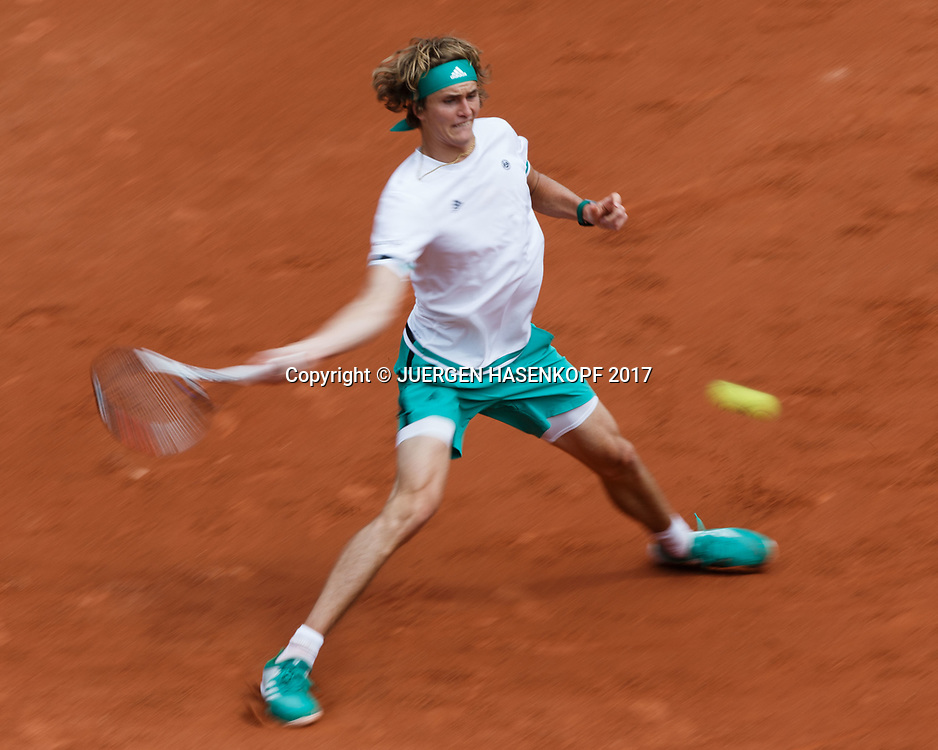 ALEXANDER ZVEREV (GER),Bewegungsunschaerfe,von oben,<br /> <br /> Tennis - French Open 2017 - Grand Slam ATP / WTA -  Roland Garros - Paris -  - France  - 30 May 2017.