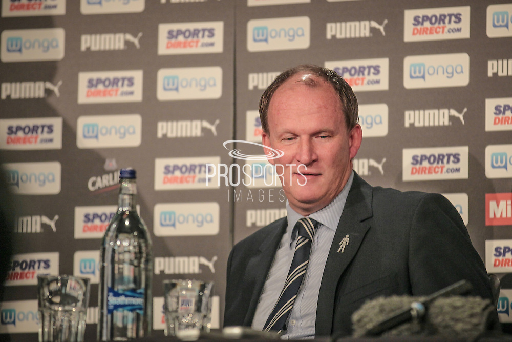Simon Grayson (Preston North End) after the EFL Cup 4th round match between Newcastle United and Preston North End at St. James's Park, Newcastle, England on 25 October 2016. Photo by Mark P Doherty.