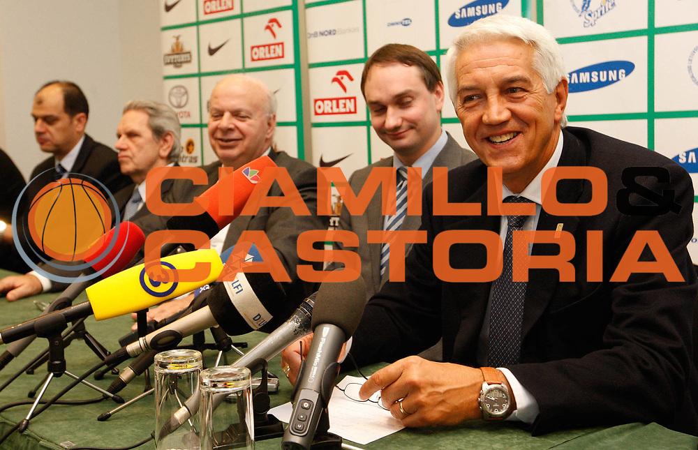 DESCRIZIONE : Lituania Lithuania Conferenza Stampa Preparazione Eurobasket Men 2011<br /> GIOCATORE : George Vassilakopoulos Nar Zanolin Vladas Garastas Kosta Iliev<br /> SQUADRA : FIBA Europe<br /> EVENTO : Eurobasket Men 2011<br /> GARA : <br /> DATA : 21/01/2010<br /> CATEGORIA : press conference conferenza stampa<br /> SPORT : Pallacanestro <br /> AUTORE : Agenzia Ciamillo-Castoria/M.Kulbis<br /> Galleria : Eurobasket Men 2011<br /> Fotonotizia :  Lituania Lithuania Conferenza Stampa Preparazione Eurobasket Men 2011<br /> Predefinita :