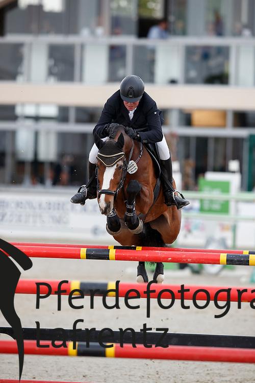 KREUTZMANN Jörg (GER), No Limit<br /> Hagen - Horses and Dreams meets the Royal Kingdom of Jordan 2018<br /> Finale Mittlere Tour<br /> 29. April 2018<br /> www.sportfotos-lafrentz.de/Stefan Lafrentz