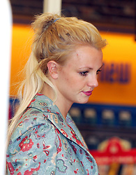 U.S. singer Britney Spears acompanied by an unidentified young girl bought some videos and flowers in Malibu, CA, USA, on December 30, 2004. Photo by VIPix/ABACA  | 70886_02