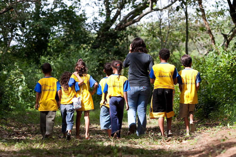 Divinopolis_MG, Brasil..Criancas no Parque do Gafanhoto em Divinopolis. ..Children in the Gafanhoto Park in Divinopolis...Foto: LEO DRUMOND / NITRO