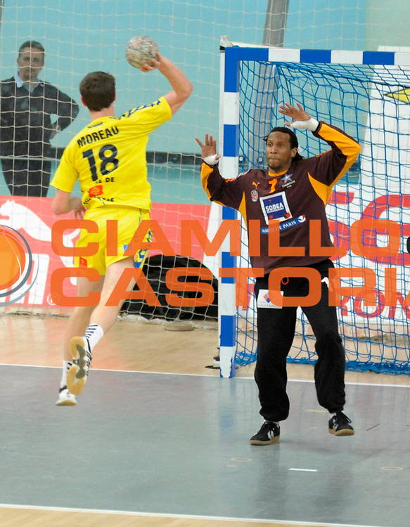 DESCRIZIONE : France Ligue Hand Coupe de France Paris Toulouse 8 iemes de Finale 05/03/2010<br /> GIOCATORE : Annonay Patrice Moreau <br /> SQUADRA : Paris Toulouse<br /> EVENTO : France Hand Coupe de France Paris Toulouse<br /> GARA : Paris Toulouse<br /> DATA : 05/03/2010<br /> CATEGORIA : Handball Paris Homme <br /> SPORT : HandBall<br /> AUTORE : JF Molliere par Agenzia Ciamillo-Castoria <br /> Galleria : France Hand Coupe de France Homme 2009/2010  <br /> Fotonotizia : France Hand Coupe de France Paris Toulouse 8 iemes de Finale 05/03/2010<br /> Predefinita :