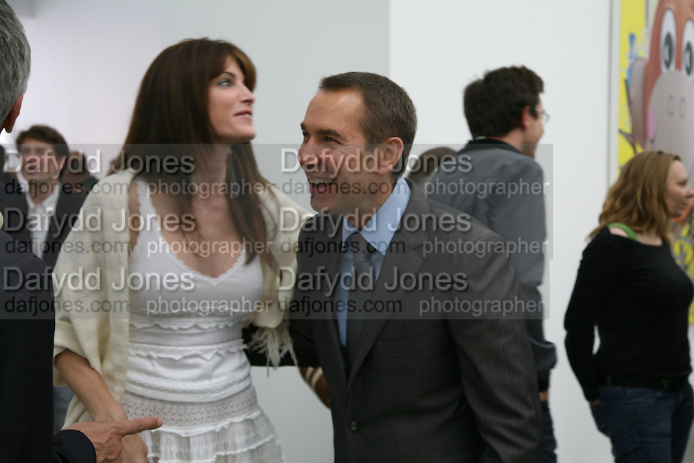 Stephanie Seymour and Jeff Koons, Jeff Koons: Hulk Elvis. private view. Gagosian Gallery. 18 1une 2007.  -DO NOT ARCHIVE-© Copyright Photograph by Dafydd Jones. 248 Clapham Rd. London SW9 0PZ. Tel 0207 820 0771. www.dafjones.com.