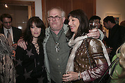Leila Nabalski, Ralph Steadman and Angelica Huston, Hunter S Thompson: Gonzo -Michael Hoppen Gallery, London, SW3, Photographs of, and by Hunter Thompson.1 February 2007.  -DO NOT ARCHIVE-© Copyright Photograph by Dafydd Jones. 248 Clapham Rd. London SW9 0PZ. Tel 0207 820 0771. www.dafjones.com.