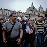 Movimenti per il diritto all'abitare contestano Matteo Renzi