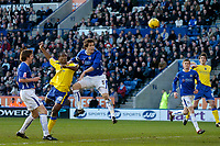 Photo: Glyn Thomas.<br />Leicester City v Cardiff City. Coca Cola Championship. 21/01/2006.<br />Cardiff's Cameron Jerome (2nd, L) heads his team into a 1-0 lead.