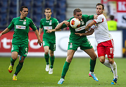 22.08.2013, Red Bull Arena, Salzburg, AUT, UEFA EL Play Off, FC Red Bull Salzburg vs VMFD Zalgiris, Hinspiel, im Bild Georgas Freidgeimas, (VMFD Zalgiris Vilnius, #3) und Andreas Ulmer, (FC Red Bull Salzburg, #17)// during UEFA Europa League Qualification 1st Leg Match between FC Red Bull Salzburg and VMFD Zalgiris at the Red Bull Arena, Salzburg, Austria on 2013/08/22. EXPA Pictures © 2013, PhotoCredit: EXPA/ Roland Hackl
